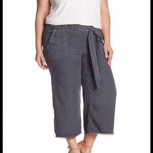 Susina Wide Leg Cropped Gray Pants Size XL